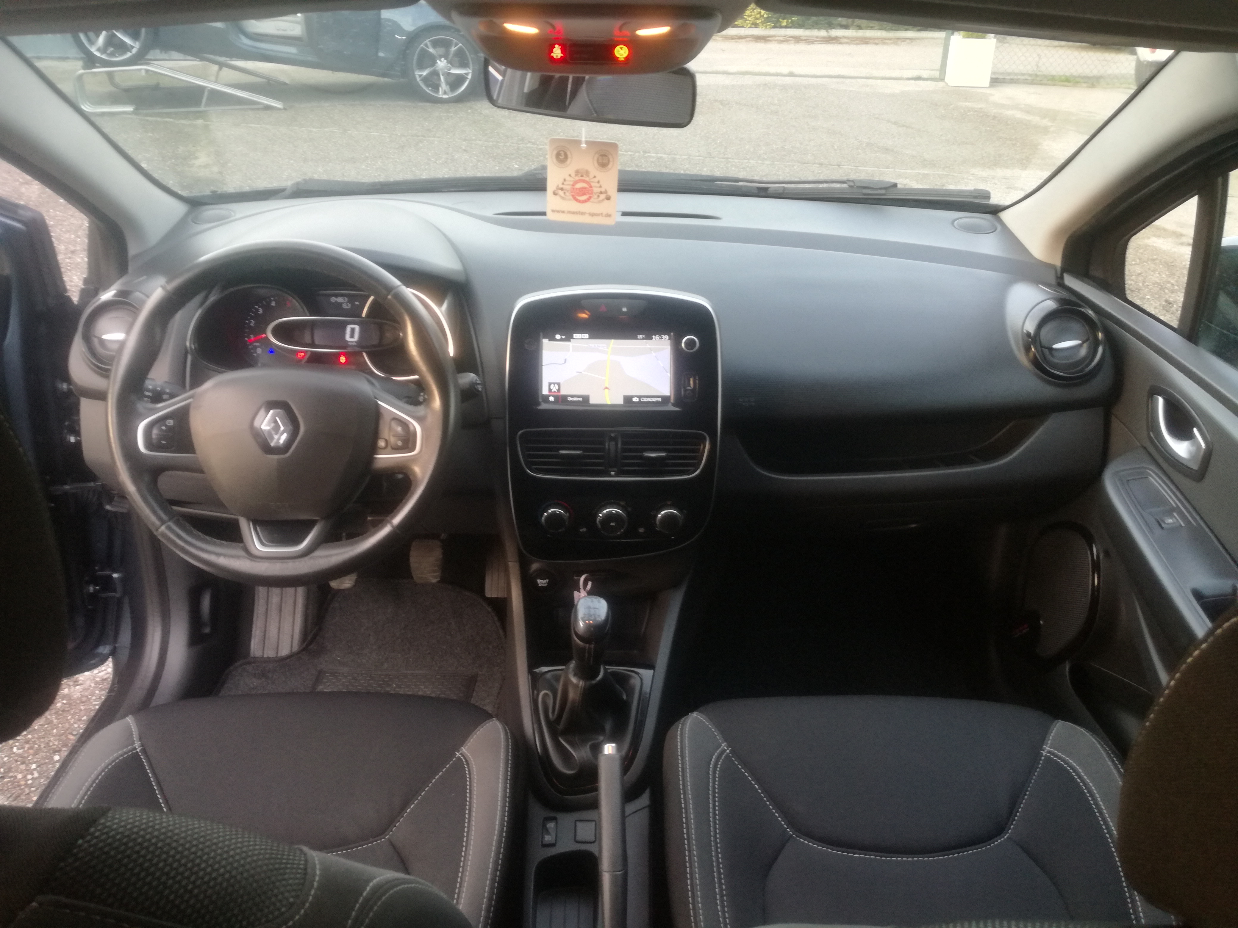 Renault Clio 1.5 DCI BASS REFLEX | Imagem 18