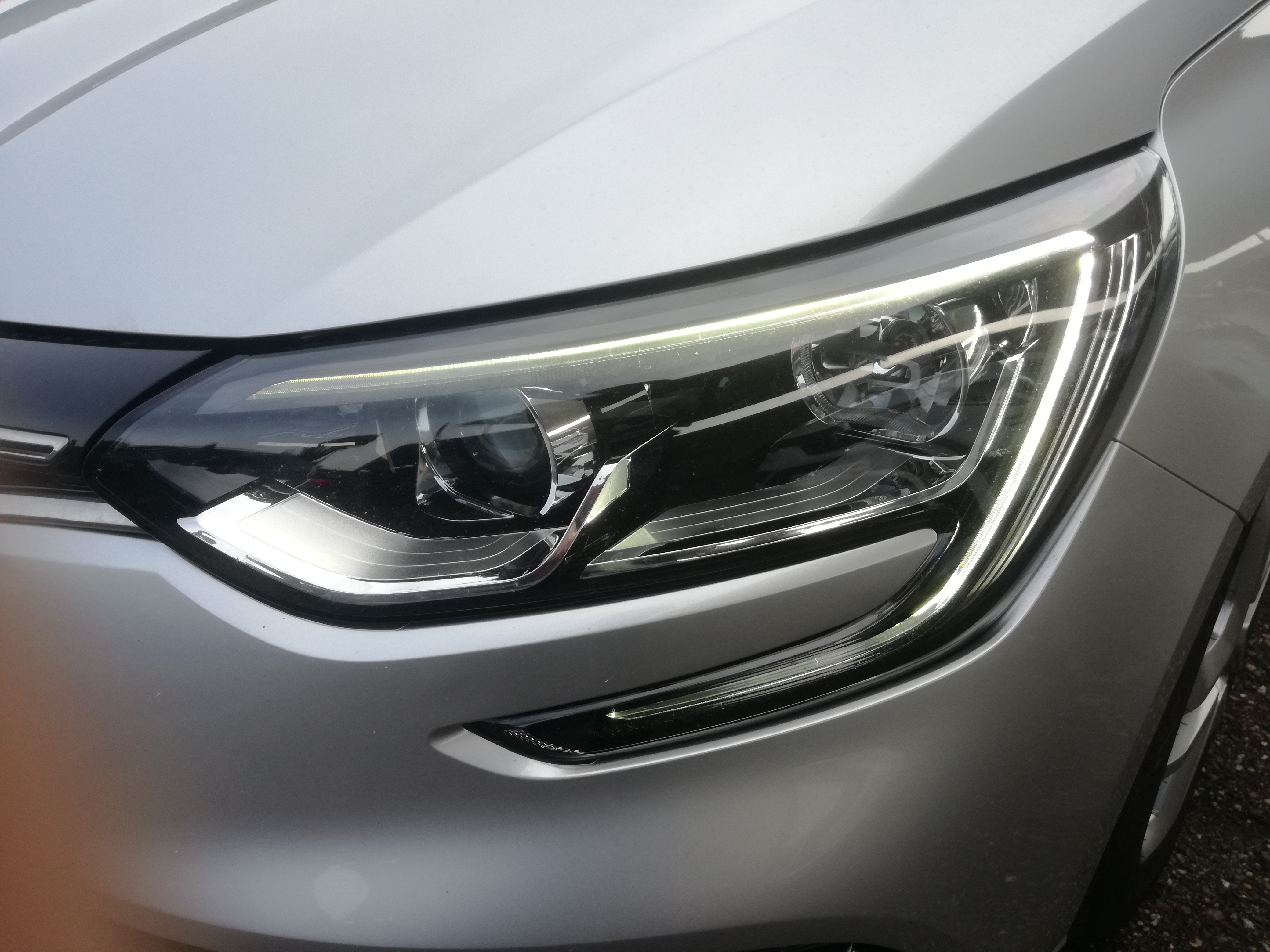 Renault Mégane SPORTS TOURER 1.5 DCI 110cv | Imagem 15