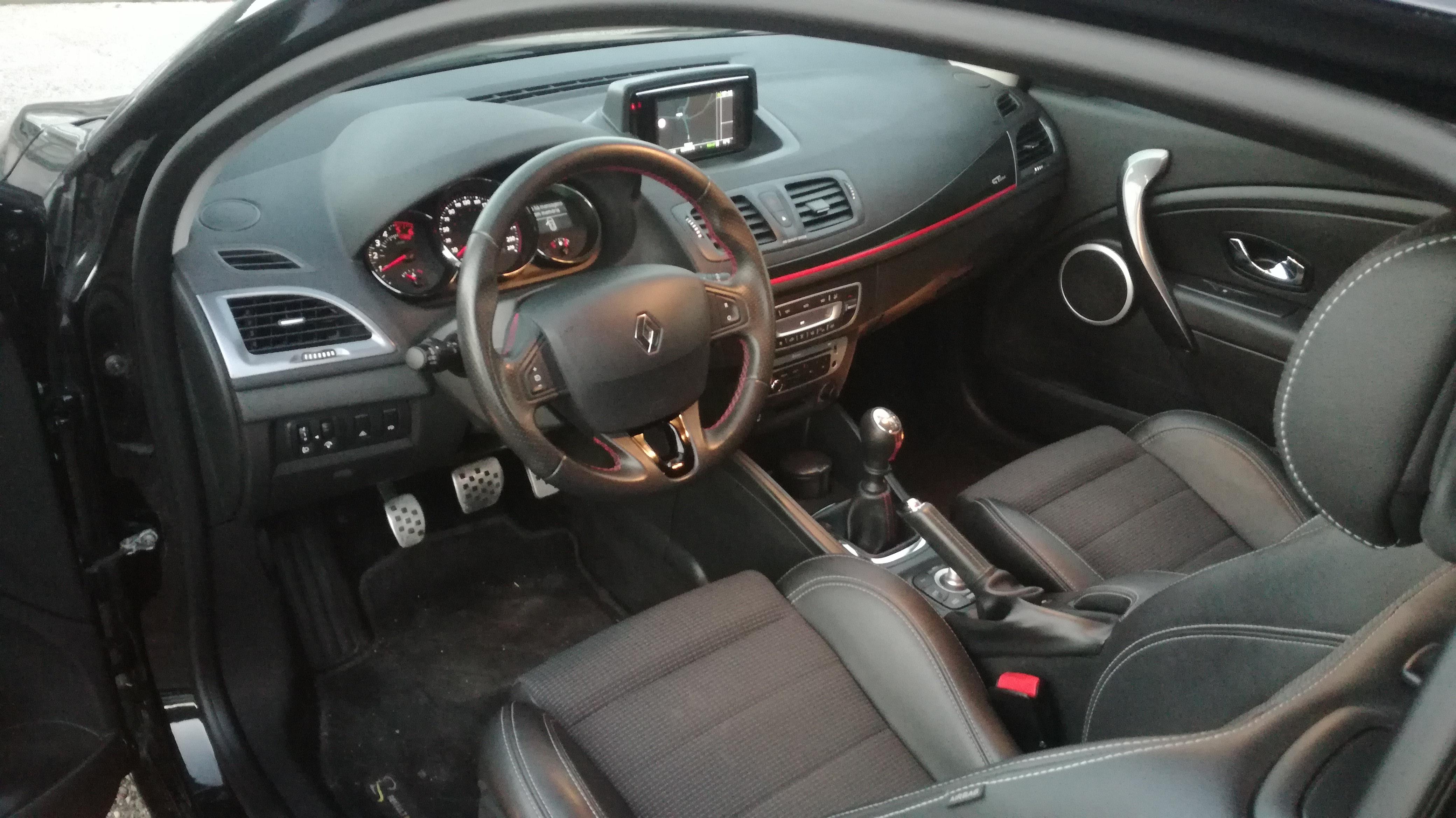 Renault Mégane Coupe 1.5 DCI 110 GT LINE | Imagem 11