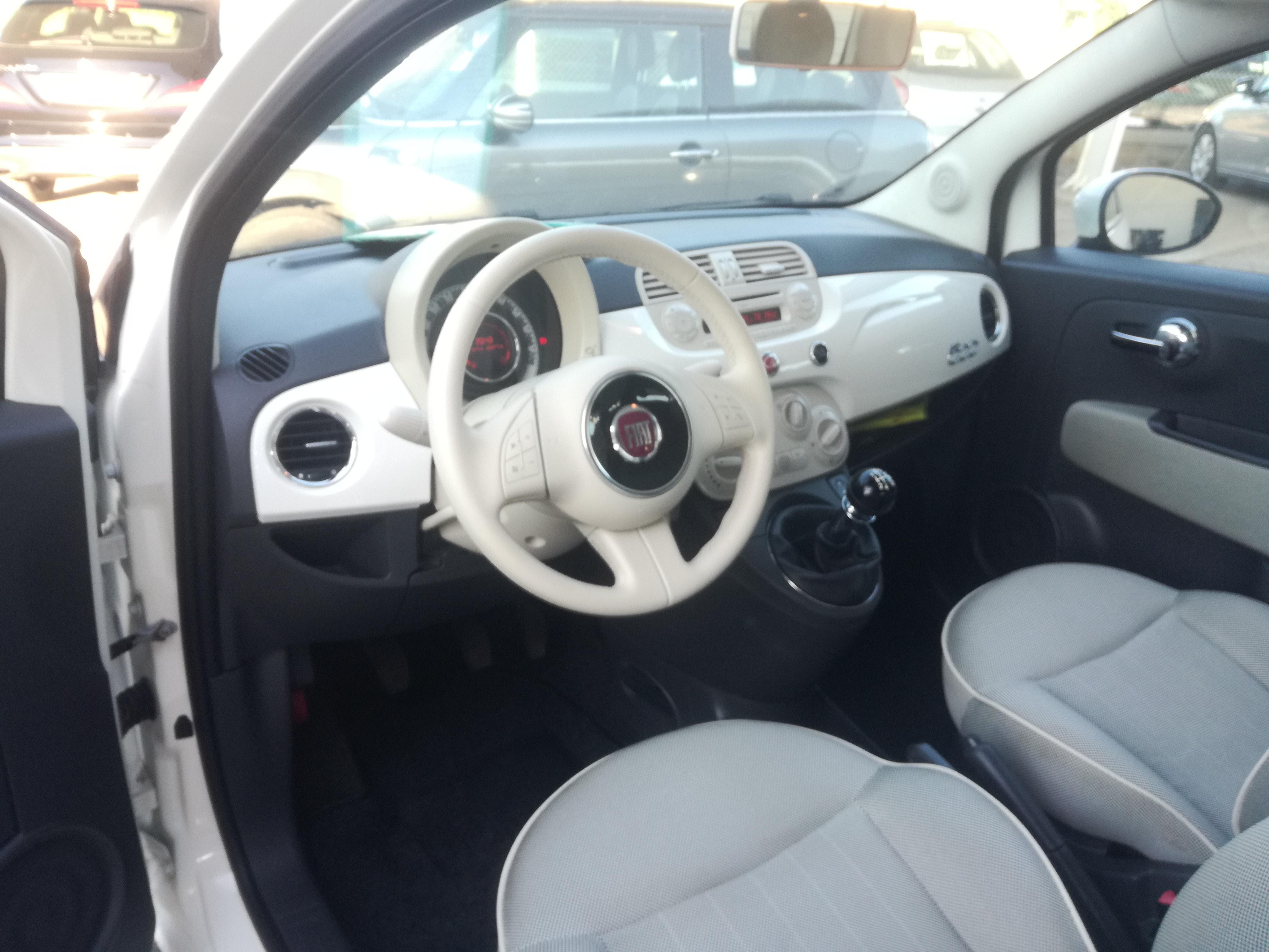 Fiat 500 1.2  LOUNGE   Imagem 9